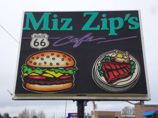 Miz Zip's: Signage right on Route 66, Flagstaff.