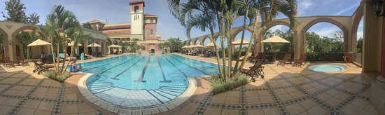 Lake Victoria Serena Golf Resort & Spa: Panoramic view of the pool