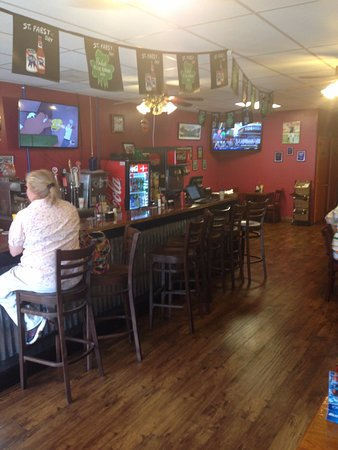 Kingsport, TN: Bar/restaurant area