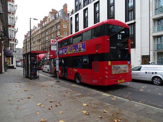 london buses bild fr n london buses london tripadvisor. Black Bedroom Furniture Sets. Home Design Ideas