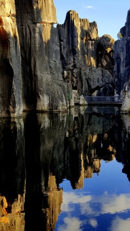 Jianfengchi (Sword Peak Pond): Stone Forest_reflections in calm Sword Peak Pond