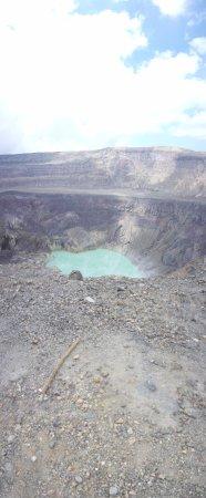Santa Ana Volcano: Vista de la laguna turquesa del cráter