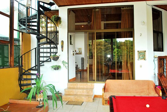 Natural Pacific Suites: second floor, pool table terrace