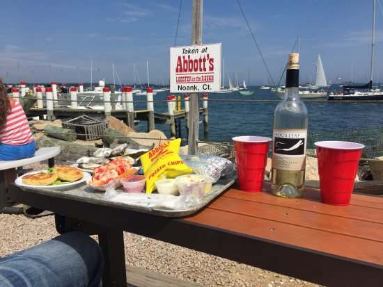 Noank, CT: Picnic on the water!
