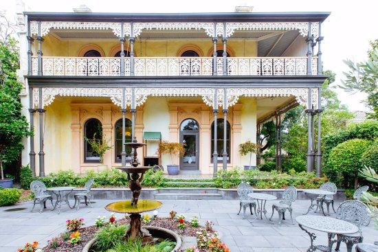 Prahran, Australia: Woodland House