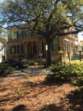 Savannah Dan Walking Tours: Owens-Thomas House