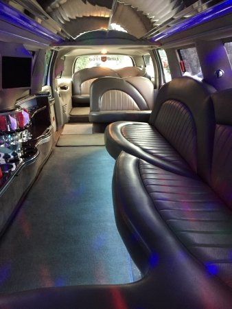 14 passenger white excursion interior led starlight lighting vip seating fotograf a de limo. Black Bedroom Furniture Sets. Home Design Ideas
