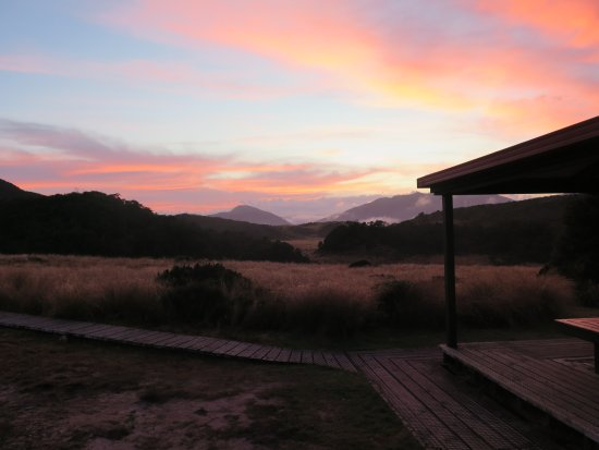 Nelson, New Zealand: Sunset at Saxon Hut on the Heaphy Track
