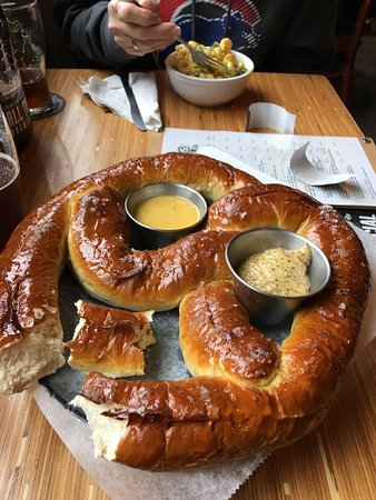 Machesney Park, IL: Great place amassing pretzel