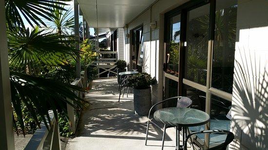 Bounty Motel : From Budget Family Unit