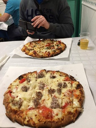 Calvino Pizzeria: received_10208720526351492_large.jpg
