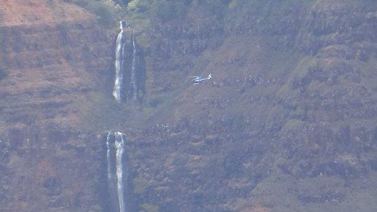 Waimea Canyon: Waterfall closeup