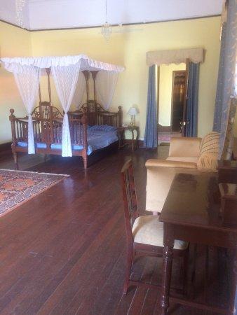 Balrampur House: photo5.jpg