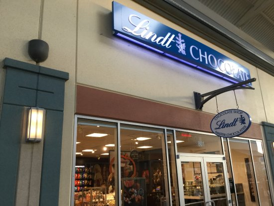 Monroe, OH: Lindt Chocolate.
