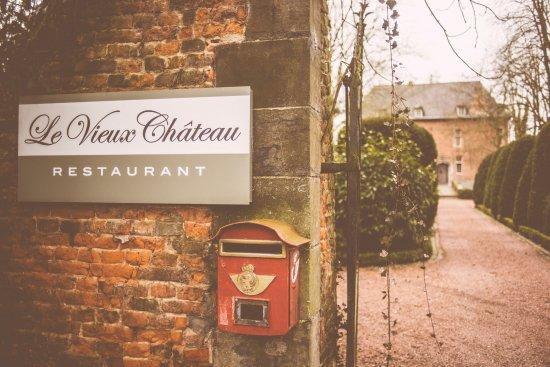 Flobecq, Bélgica: Ingang restaurant