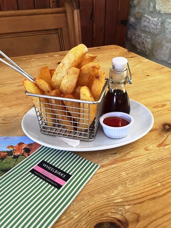 Stocksfield, UK: Homemade Chunky Chips