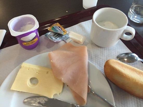 Holiday Inn Express Barcelona-Sant Cugat : Breakfast