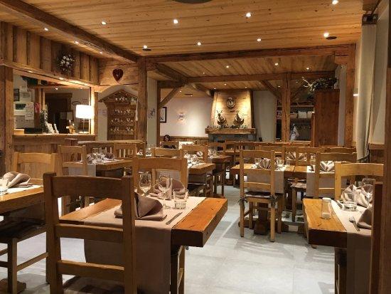 La Croix Saint-Maurice Hotel Restaurant : photo1.jpg