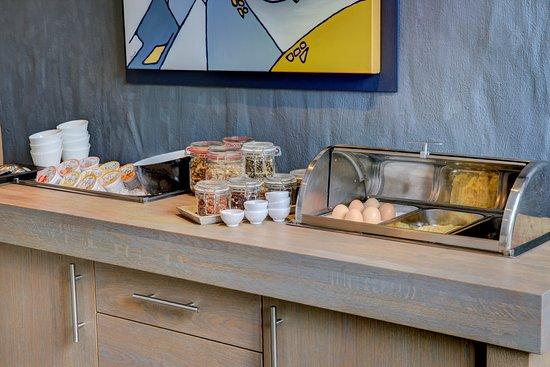 Arcen, Nederländerna: ontbijtbuffet