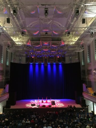 Town Hall Birmingham: The stage set for Lloyd Cole