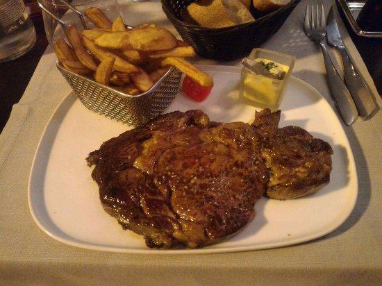 Palaiseau, France: entrecote con frite