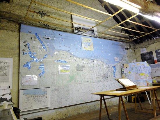Manoir Au Pont Rouge : The map room