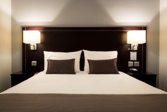 Chambre Double Classique - Picture of Hotel Le Mondon, Metz ...