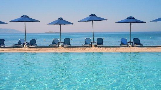 Lagonisi, Grecia: on the beach