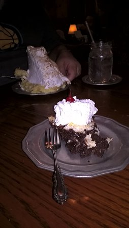 Grand Rivers, KY: Mile high coconut cream and boo boo pie