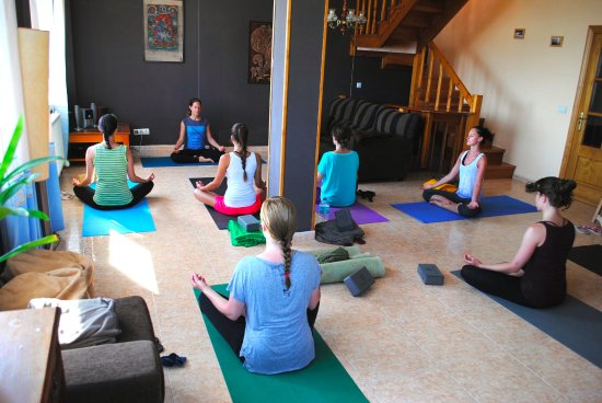 Kuche Picture Of Ondaroot Surf Yoga Lodge Ferrol Tripadvisor