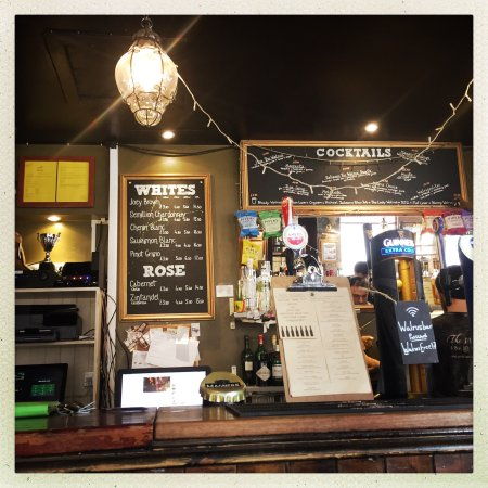 The Walrus Hostel: Great place, Great beer. I highly Recommend this place.