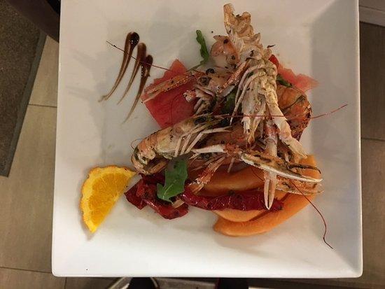Chinon, France: poellée de langoustines melon et pastèque