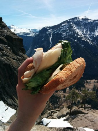 Midpines, Kalifornia: Packed Lunch sandwich