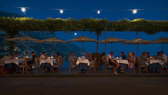 Caffe Positano: Il terrazzino di notte