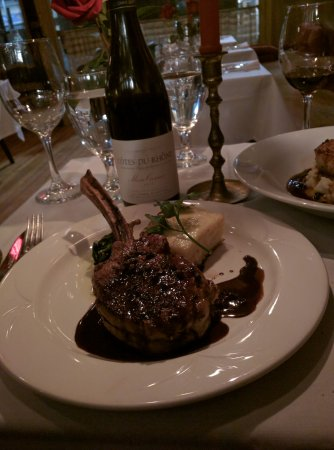 Shelburne Falls, MA: Veal chop and potato gratin