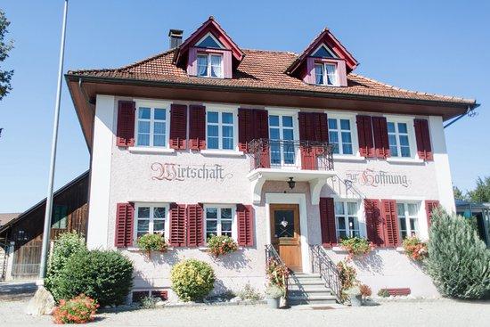 Frauenfeld, Suiza: Aussenansicht Wirtschaft zur Hoffnung