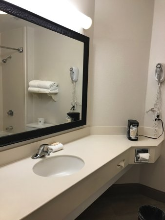 La Quinta Inn & Suites Dallas Addison Galleria : Nice, big, clean rooms. Good place to stay!