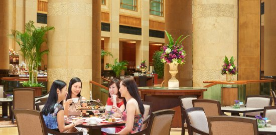 Raffles Place, Singapore: Afternoon Tea at The Courtyard
