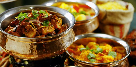 Raffles Place, Singapore: Curry Buffet at The South Courtyard