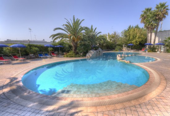 Merine Apulia, อิตาลี: piscina