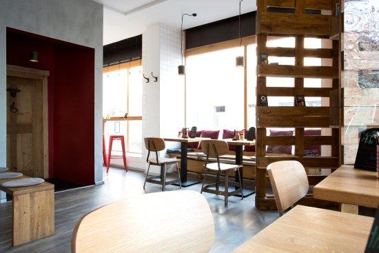 Marktredwitz, Germany: BAROS Burger - Gastraum und Burgerbar
