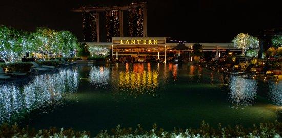 lantern rooftop bar  singapur - marina bay