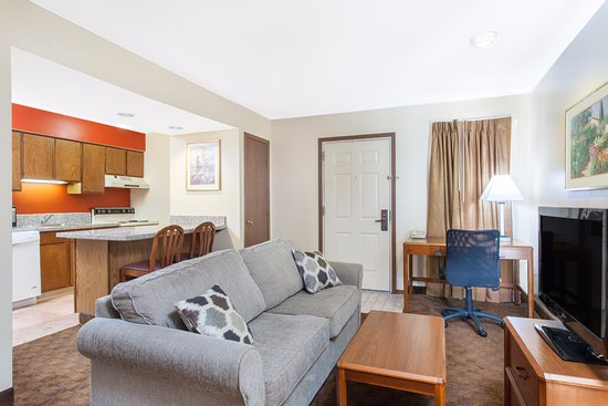 Holland, OH: Each spacious suite has a fully equipped kitchen and sofa bed in the living room.