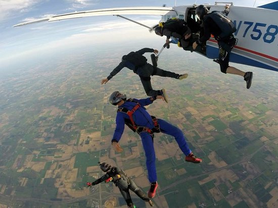 Baldwin, WI: Licensed Skydivers Exiting the Plane