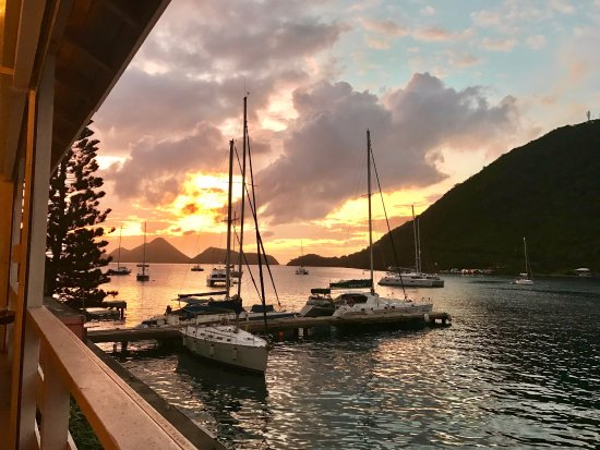 Frenchman's Cay: Lovely sunset from Scaramouche Lounge in Soper's Hole