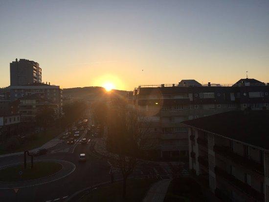 Hotel Zarauz : Вид из окна на рассвет:-)