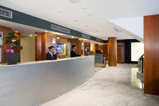 Hotel Catalonia Barcelona 505: Recepción