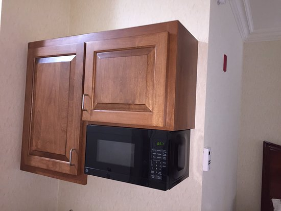 Holiday Inn Express Hotel & Suites Klamath Falls: MICROWAVE