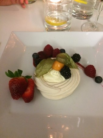 Fabric Drink and Dine: RICHARD'S PAVLOVA DESSERT
