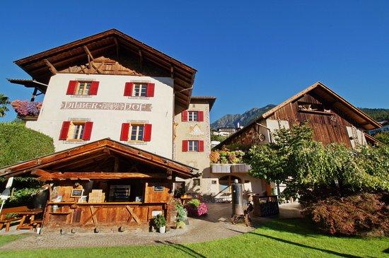 Kuens, Italia: il ristorante Hilberkeller si trova a Caines nei pressi di Merano